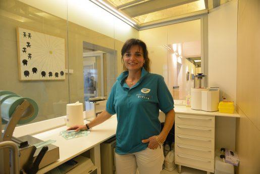 Ha frequentato Corso biennale ANDI come assistente alla poltrona per studi odontoiatrici.  Dal 1999 affianca il dott. Persichetti